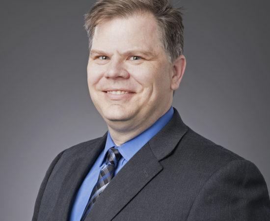 Headshot of Bob Thomas